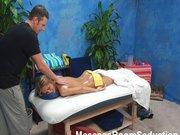 Ukryta kamerka w pokoju do masażu
