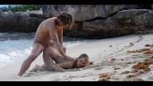Wspaniały seks na pieska na piaszczystej plaży