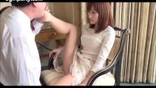 Japonka ma wspaniale zgrabne nóżki