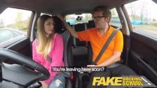 Seks z uczennicą w samochodzie