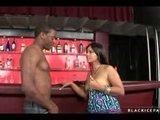 Seks w barze z  murzynem